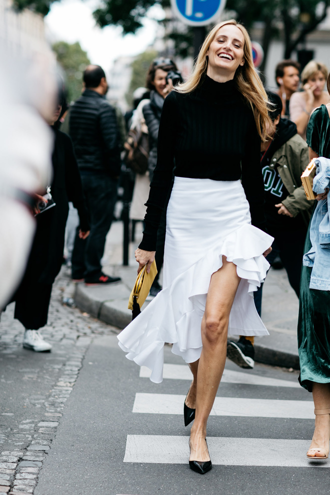 1-paris_fw_ss2017_day5_20161002_8688_jpg_9050_north_660x_white